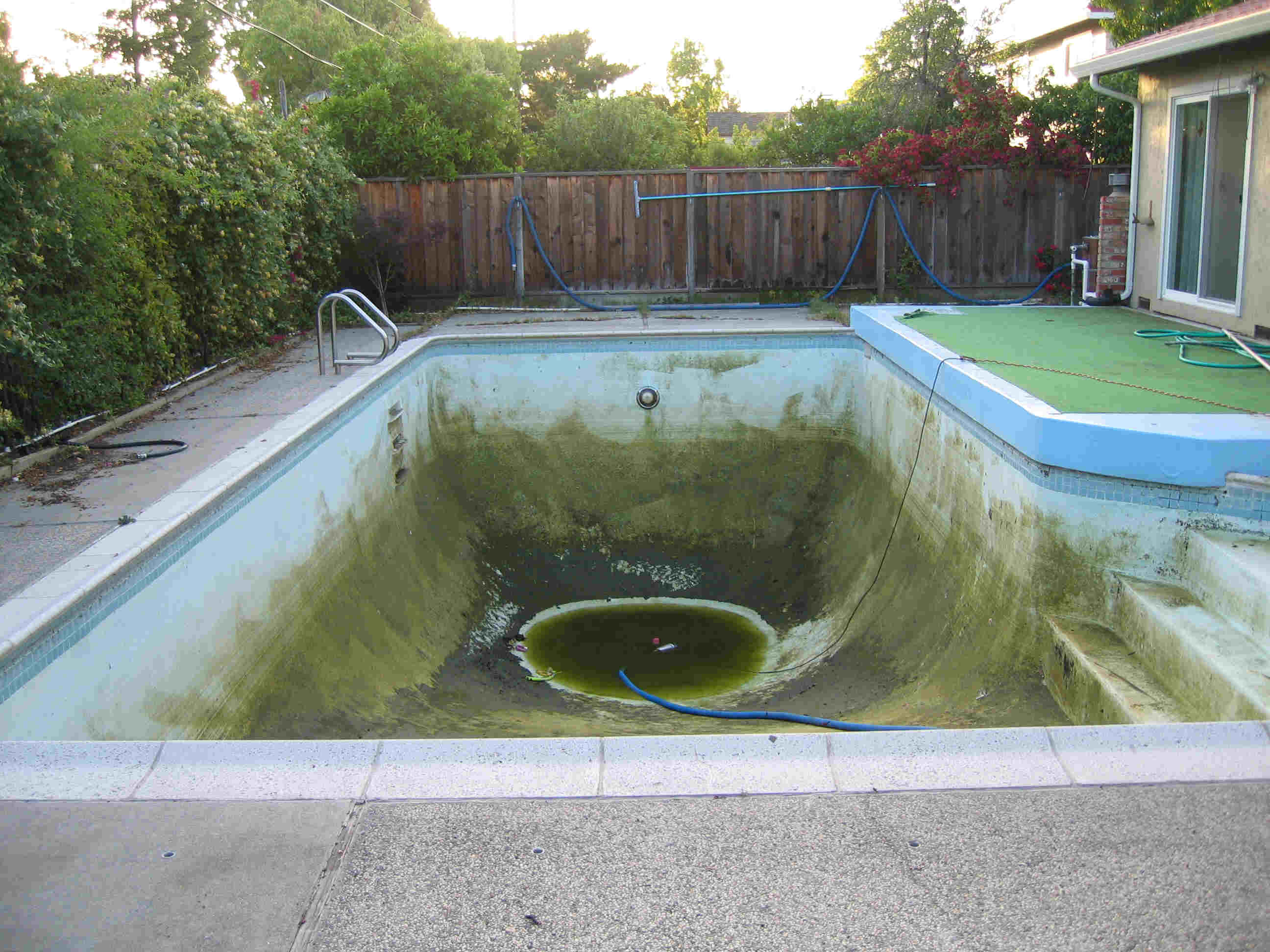 Old swimming pool question for Empty swimming pool